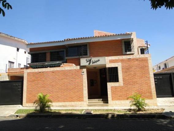 Nestor Moreno Vende Town House En Prebo