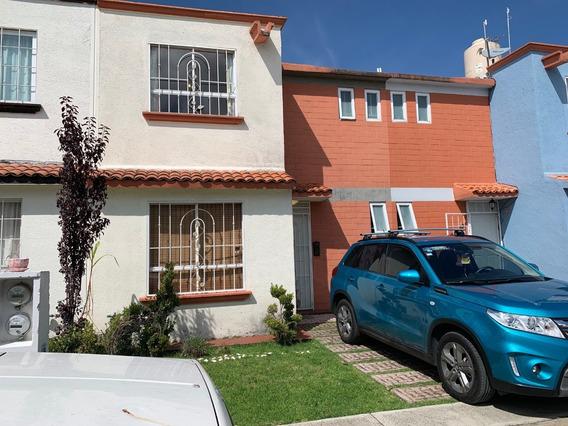 Casa En Fraccionamiento. Acepto Auto Compacto Mod. Reciente