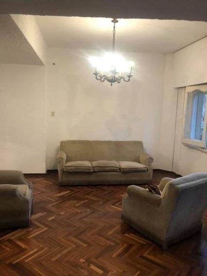 Apartamento 4 Dormitorios 3 Baños Suite , Patio , Garage.