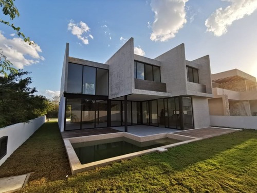 Casa En Venta En La Privada Oasis En El Exclusivo Yucatan Country Club (129)