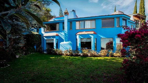 Casa 3 Recamaras 2.5 Baños Con Jardin Y Vista De La Ciudad