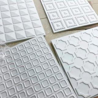 Kit 32 Placas De Pvc 3d Revestimento Tijolo Branco 50cmx50cm