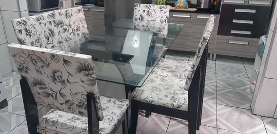 Conjunto De Mesa Sala De Jantar Com 6 Cadeiras.