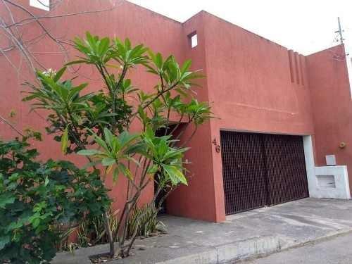 Oportunidad! Casa En Montecristo,3 Habits,sala De Tv Y Piscina