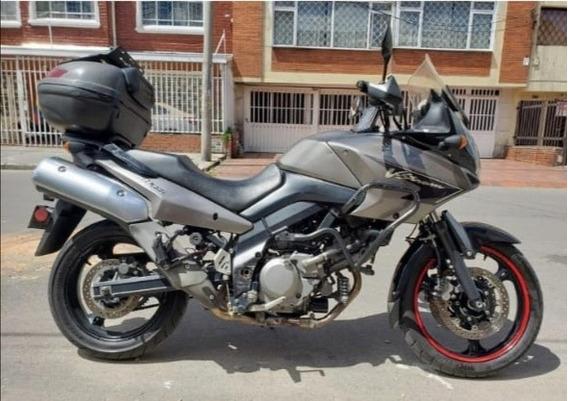 Moto Suzuki V-strom Dl 650