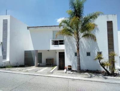 Casa En Renta Balcones De Vista Real Queretaro 135 M2 C