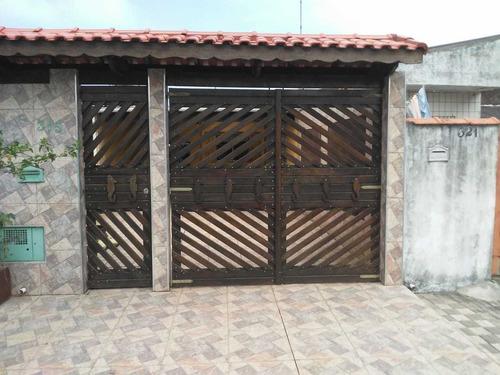 Imagem 1 de 14 de Casa Em Mongaguá Lado Morro 1 Quarto,4 Vagas De Garagem 869