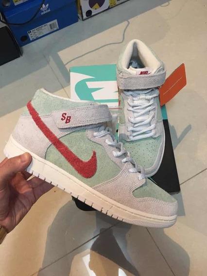 Tênis Nike Sb Dunk Mid