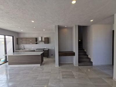 En Renta Casa Dentro De Coto Zona Real