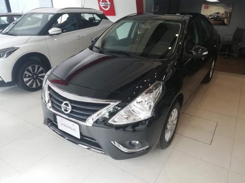 Nissan Versa V-drive Automático