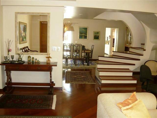 Casa 215m², 3 Dorm, 1 Suite, 2 Vagas - Ca1027