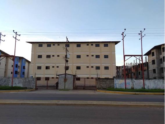 Apartamento En Conjunto Residencial Privado A Estrenar