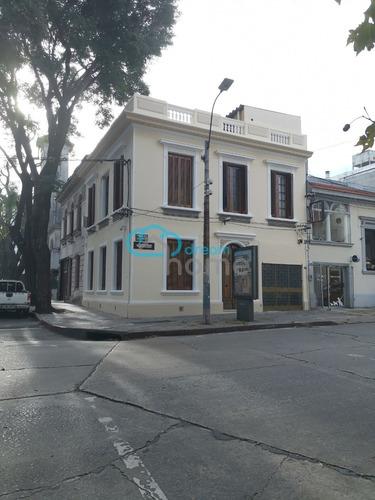 Dream Home Real Estate Vende Hermosa Casa En Pocitos.