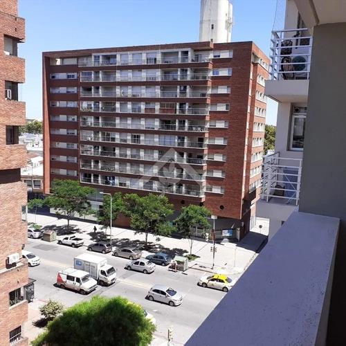 A Estrenar!!!! Dos Dormitorios,piso Alto, Alquila.