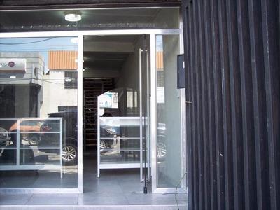 Local Comercial En Venta Av. Los Cedros Maracay Ndd18-8401