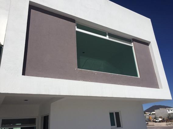 Hermosa Casa Con 3 Recamaras En Cañadas Del Lago
