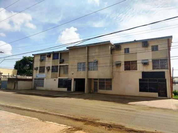 Edificio Comercial En Venta. Paraíso. Mls 20-7068.