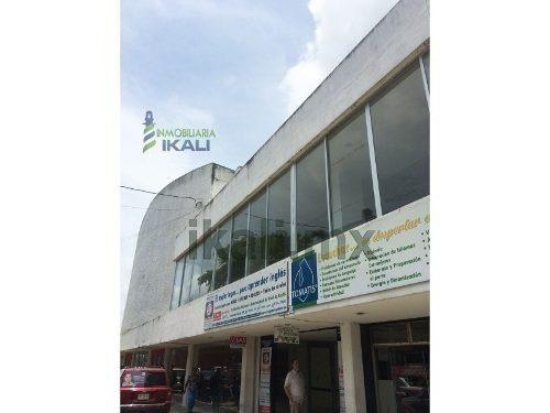 Renta Local Comercial Grande 4 Salas De Cine Centro Tuxpan Veracruz, Se Encuentra Ubicado En La Calle Emiliano Zapata Casi Esquina Con El Bulevar Jesús Reyes Heroles, Frente Al Rio, A Escasos Metros