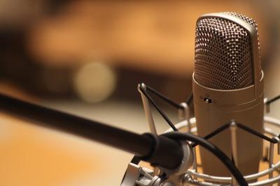 Locução Para Rádio, Carro De Som E Para Vídeos E Mensagens