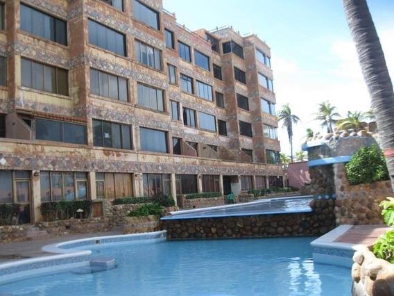 Apartamento En Chichiriviche, Res. Playa Los Cocos. Maa-617