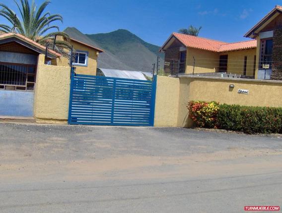 Town House En Venta 0412 0924671
