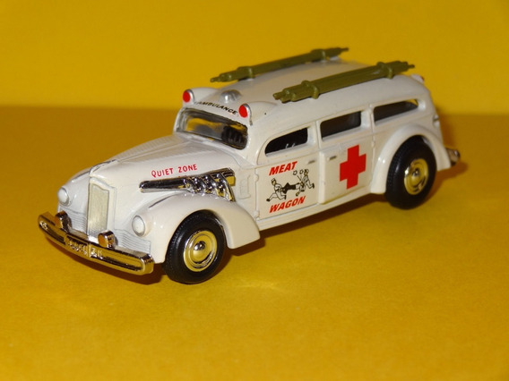 1939 Packard Ambulancia Monsters Serie Johnny Lightning 1/64