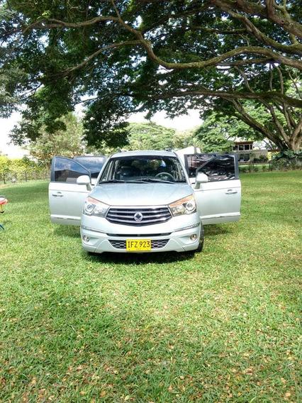 Ssangyong Rodius, Motor 2.0 Diesel, Color Plata, 11 Puestos