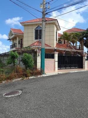 Se Vende Casa En Proyecto Cerrado Codigo Gvc-0017
