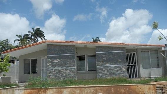 Casa En Venta Cabudare Chucho Briceno 21-1204 Torres