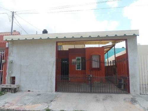Se Renta Casa Semi-amueblada Ideal Estudiantes En La Colonia Nora Quintana En Mérida