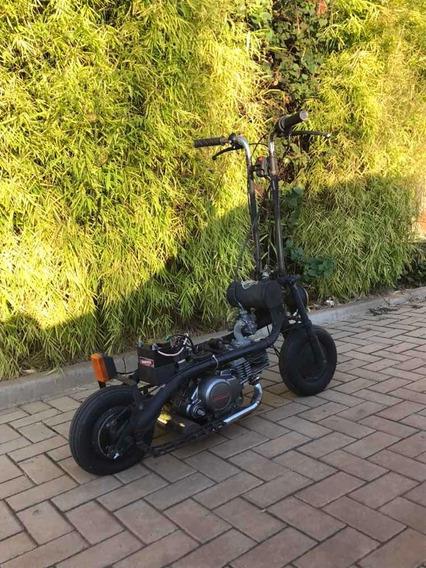 Veículo Customizado Patinete Motor 125cc