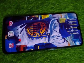Samsung A30, Azul.
