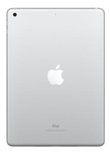 """IPad Apple iPad 6ª Generación A1954 9.7"""" 32GB silver con memoria RAM 2GB"""