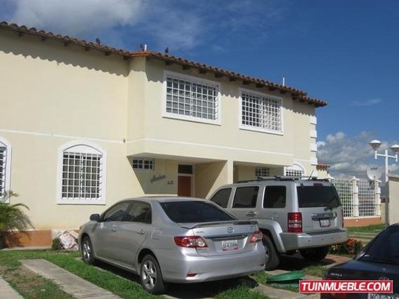 Gina Briceño Vende Townhouses En