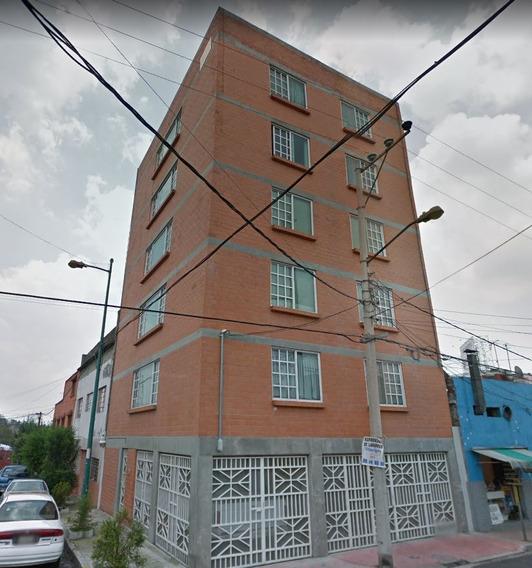 Departamento En General Chilardi, Observatorio, Miguel H
