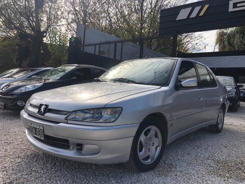 Peugeot 306 1.8 16v - Financiación Exclusiva