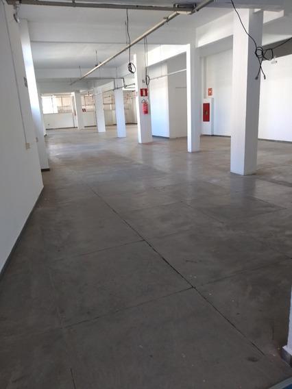 Salão Com 490 M2 No Centro De Divinópolis.