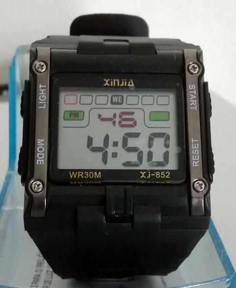 Relógio Digital Xinjia A Prova D