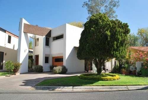 V1529 Casa En Venta En El Club Campestre