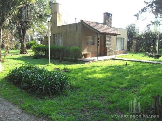 Excelente Casa Quinta De 3 Amb Con Importante Lote- Zona De Quintas- Pontevedra