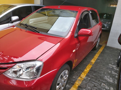 Toyota Etios 1.3 Xs Ht 13 13 Lms Automóveis