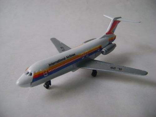 Imagen 1 de 10 de Nico Avion Metal Airlines Int. Lines 29 12 X 10 Cm (avv 41)