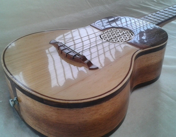 Cuatro Acústico. Mod. 07. Luthier Andrés Rodríguez
