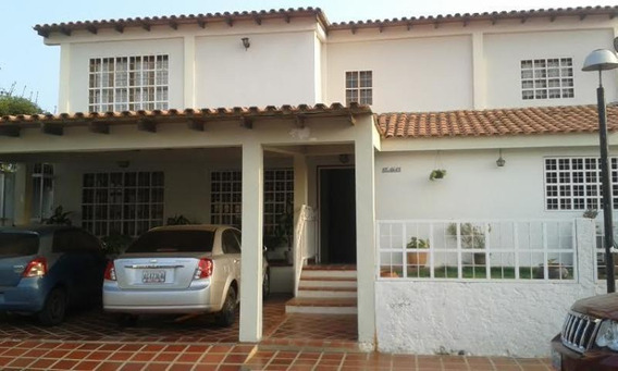 Townhouse La Picola Calle Cerrada Mls #18-7267
