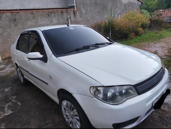 Fiat Siena 1.8 Hlx 30 Anos Flex 4p 2007