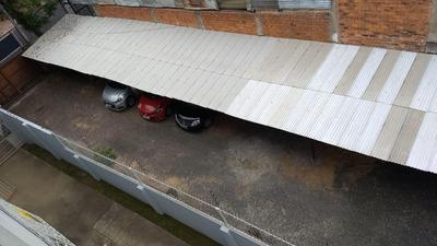 Ponto De Lavagem E Estacionamento