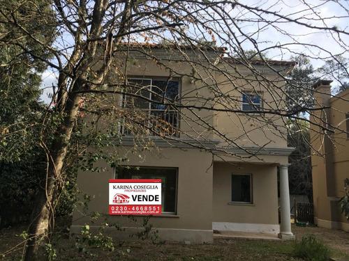 Venta Casa 4 Ambientes ,b Casas Del Parque .pilar