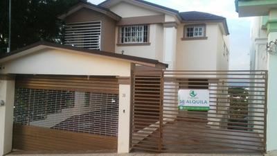 Rentamos Casa De Dos Niveles Vista Linda 3 Habit. Y 3 Baños