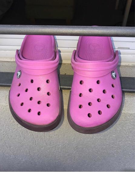 Crocs Violetas