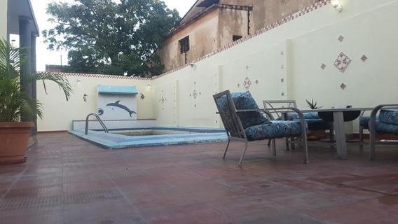 Casas En Alquiler Sucre 20-6507 Andrea Rubio